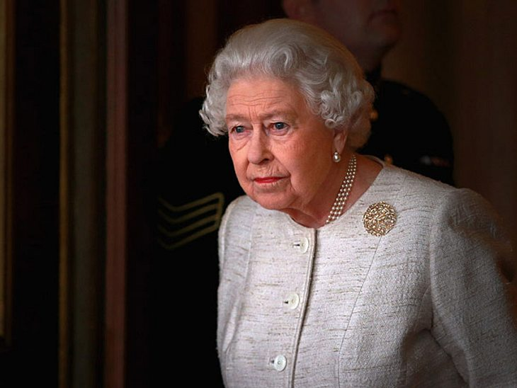 Queen Elizabeth: Schock! Unbekannter erschießt ihre Schwäne