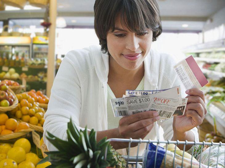 Sie können auf verschiedene Weisen Rabatt auf Ihre Einkäufe bekommen.