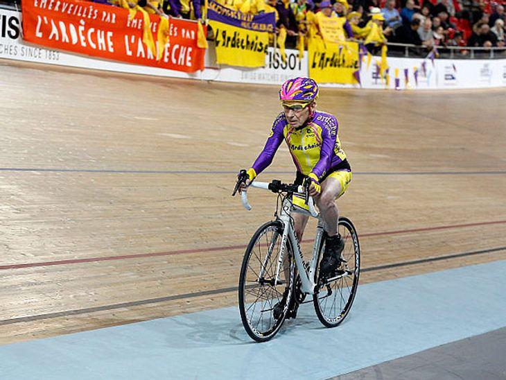 In seiner Altersklasse stellte der 105-jährige Franzose Robert Marchand einen neuen Rennrad-Rekord auf.