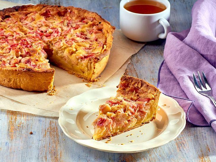 Rhabarberkuchen mit Pudding
