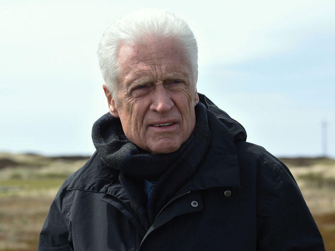 Robert Atzorn als Kommissar Theo Clüver