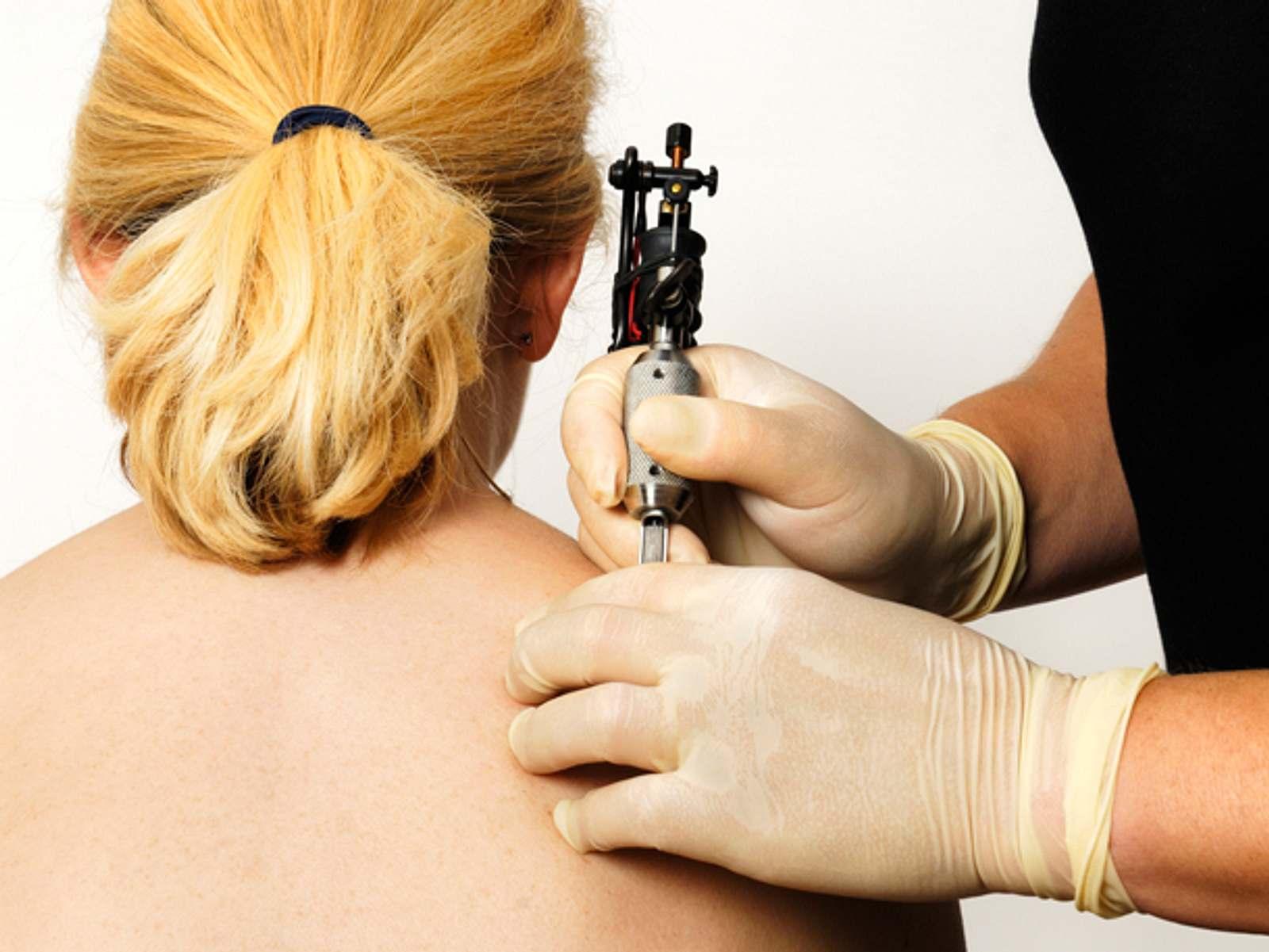 Rosen Tattoo Das Sind Die Schonsten Motive Liebenswert Magazin