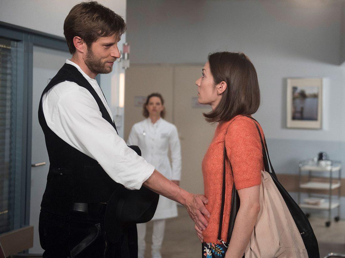 Anna erwischt Eliane und Christian im Krankenhaus