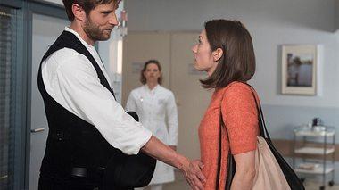 Anna erwischt Eliane und Christian im Krankenhaus - Foto: ARD / Nicole Manthey