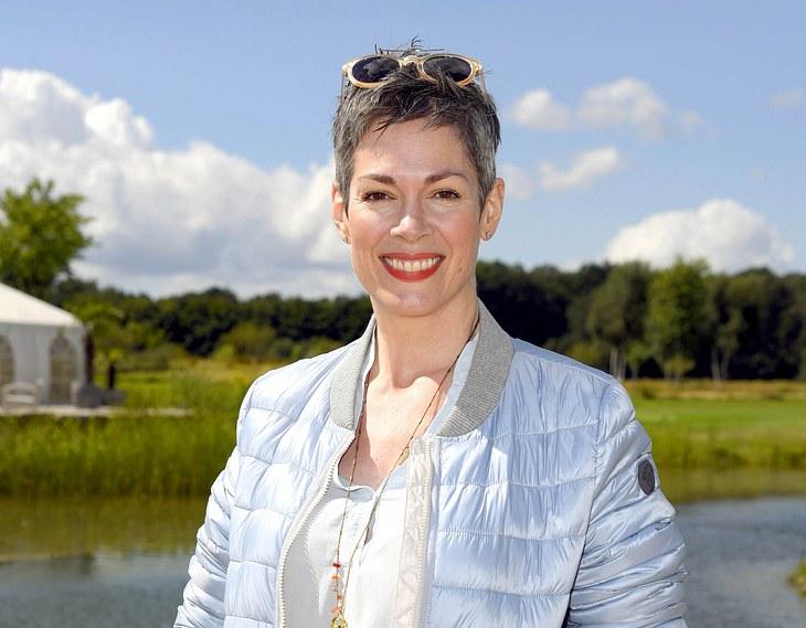 Cheryl Shepard ist vor allem durch Serien wie In aller Freundschaft und Rote Rosen bekannt.