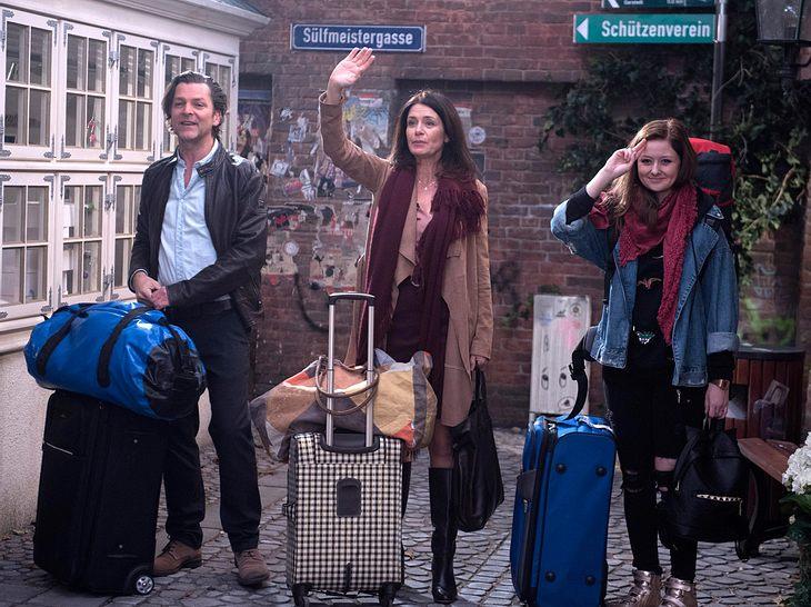 Rote Rosen: Peer, Helen und Swantje verabschieden sich.