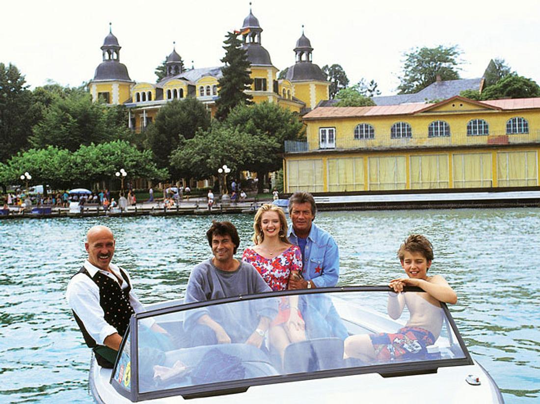 Ein Schloss am Wörthersee mit Roy Black und Pierre Brice läuft bei RTLplus.