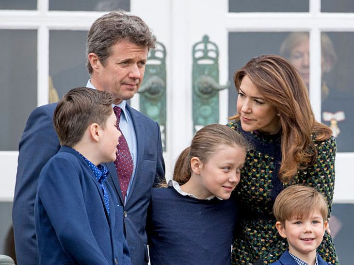 Prinz Frederik, Prinzessin Mary und ihre Kinder mussten von Familienhund Ziggy Abschied nehmen.