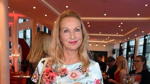 Schauspielerin Sabine Kaack 2019 in Hamburg. - Foto:  Tristar Media / Kontributor
