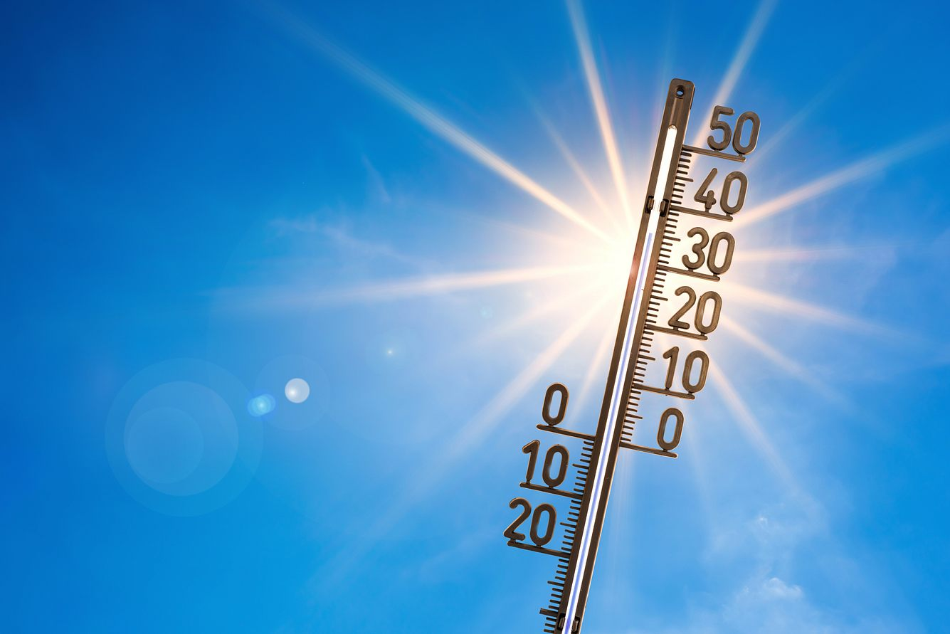 Ein Thermometer in der Sonne.