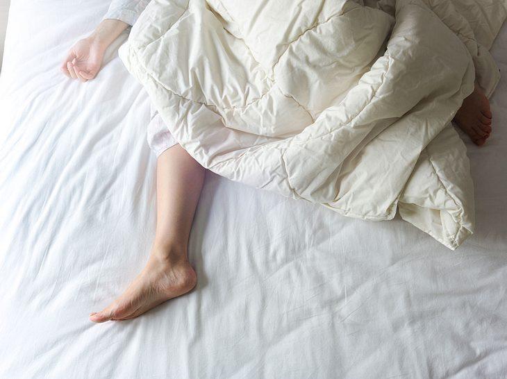 Schlafparalyse: Nächtliche Lähmung
