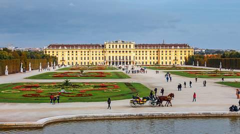 Schloss Schönbrunn in Wien - Foto: Dziewul / Shutterstock