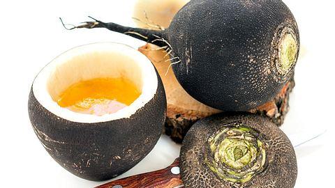 Schwarzer-Rettich-Hustensaft: Das Rezept zum Selbermachen