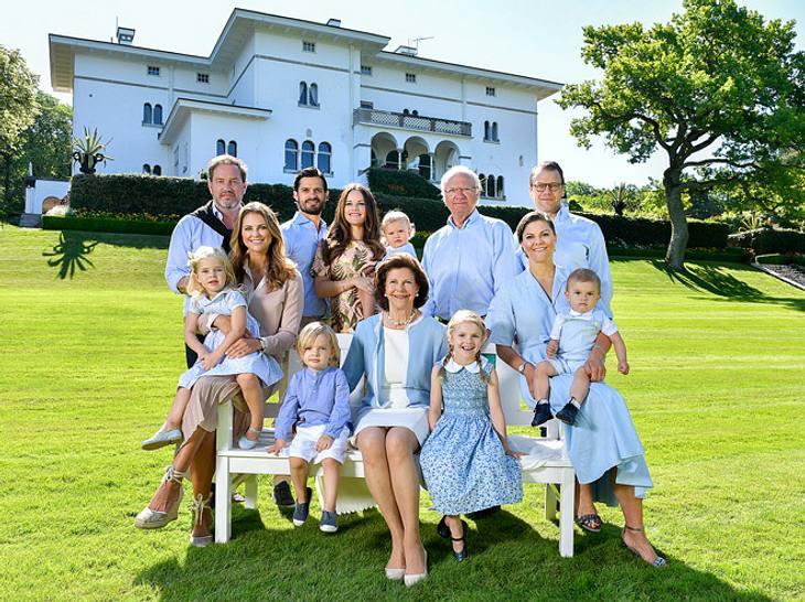 Die Königsfamilie im Sommerurlaub 2017 auf Öland.