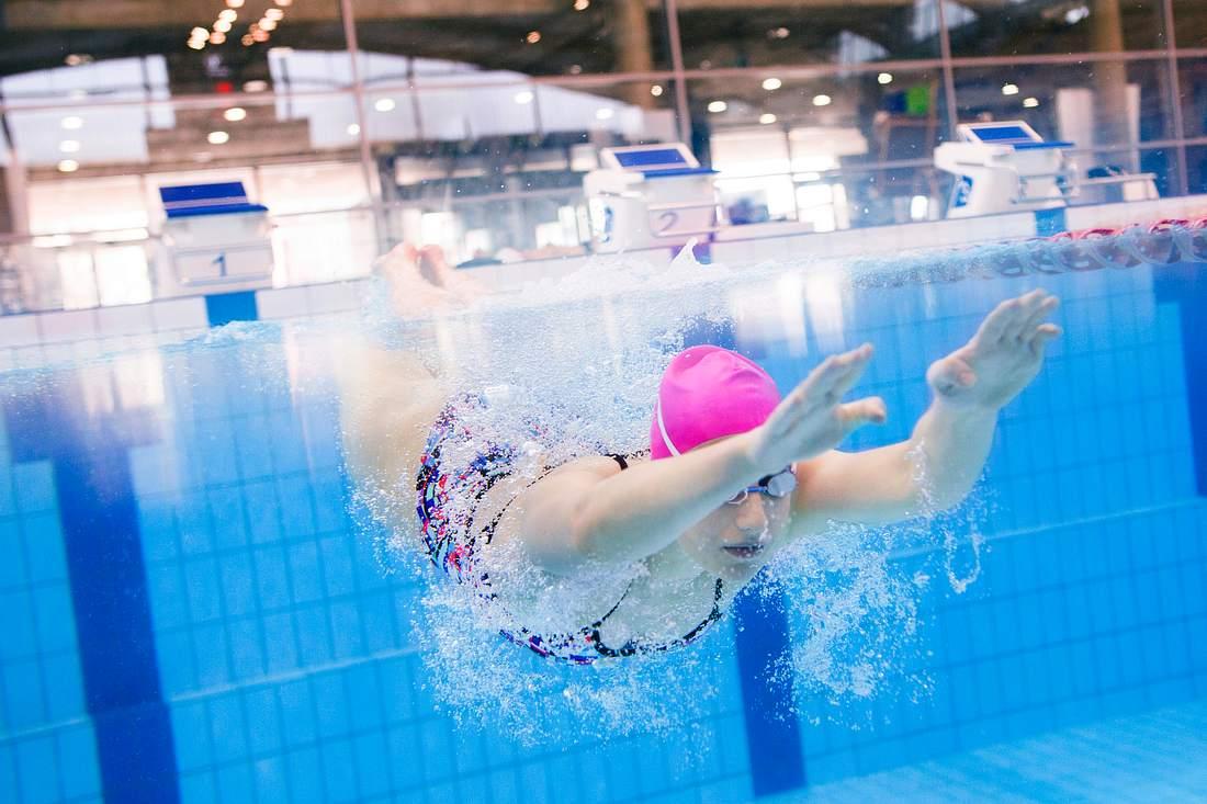 Schwimmen hilft beim Abnehmen