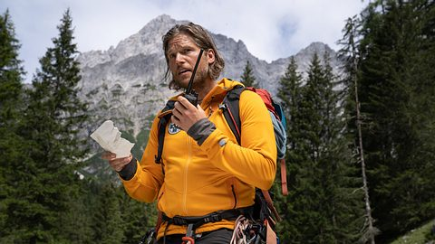 Sebastian Ströbel als Bergretter Markus Kofler.  - Foto: ZDF / Stephanie Kulbach
