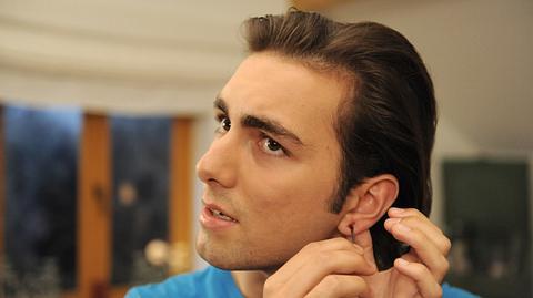 Shayan Hartmann als Felix Brunner. - Foto: BR / Marco Orlando Pichler