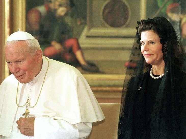 Königin Silvia und Papst Johannes Paul der II.