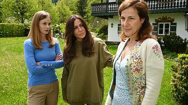 Simone Thomalla als Katja Baumann in einem weiteren Teil Frühling.  - Foto: ZDF / Bernd Schuller