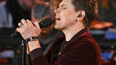 Bei Sing meinen Song wird es dank Michael Patrick Kelly wieder sehr emotional. - Foto: TVNOW / Markus Hertrich