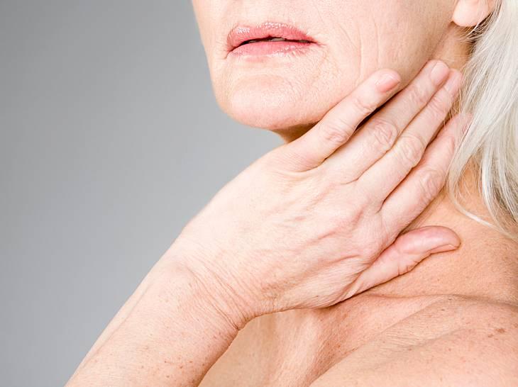 So helfen Sie Ihrer Haut bei Sonnenbrand, Juckreiz & Co.