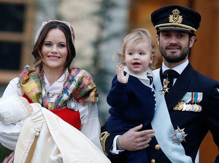 Sofia und Carl Philip von Schweden bei der Taufe