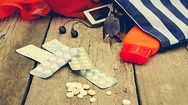 SOS-Tipps für den Urlaub: Was nicht im Koffer fehlen darf - Foto: Mukhina1 / iStock