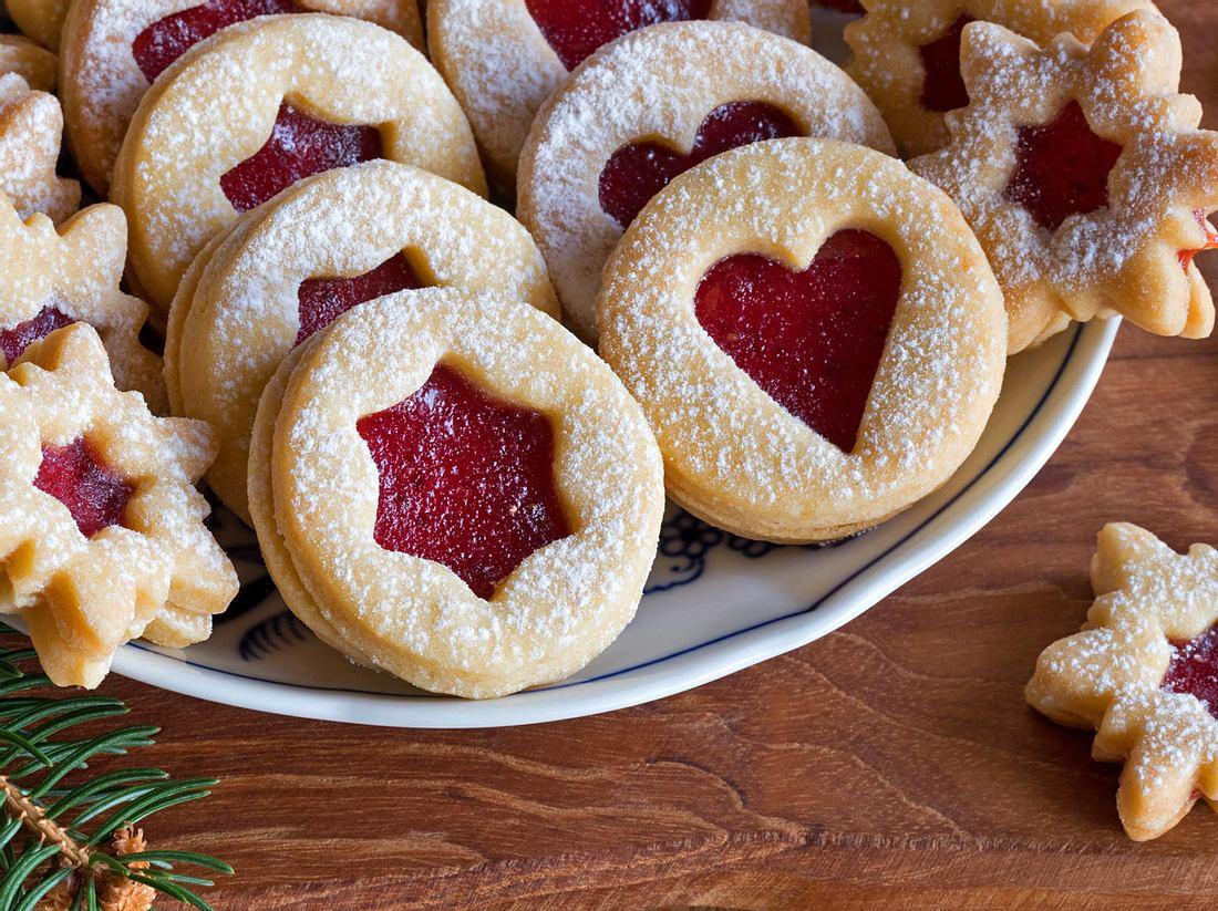 Im Advent kommen traditionell auch selbst gebackene Spitzbuben (Linzer Plätzchen) auf den Tisch.
