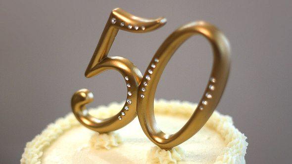 Schöne Sprüche zur Goldenen Hochzeit für Ihre Glückwunschkarte