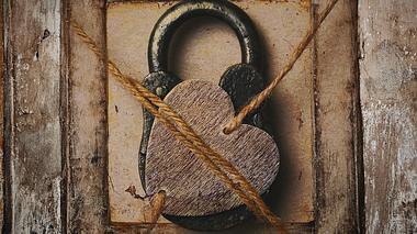 Was die Liebe stark macht - Foto: Devin_Pavel / iStock