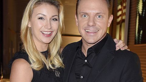 Stefan Mross und seine Freundin Anna-Carina Woitschak.  - Foto: Tristar Media/Getty Images