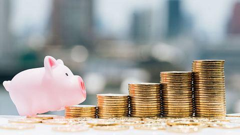 Steuererklärung Rentner: So können Sie Geld sparen - Foto: Khongtham / iStock