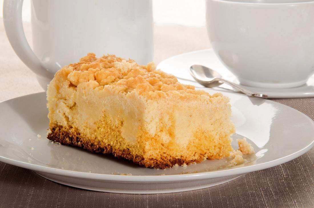 Streuselkuchen mit Pudding.