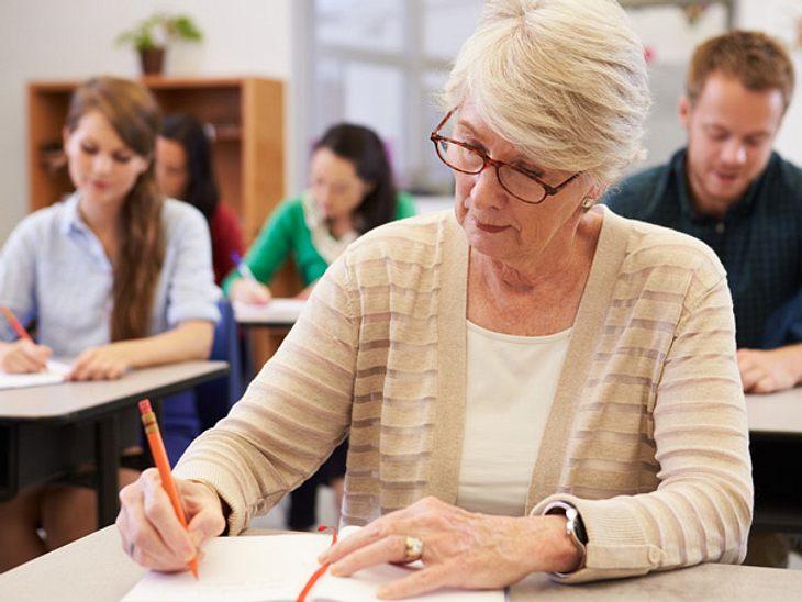 Der Weg zum Studieren ab 50 ist leichter als gedacht