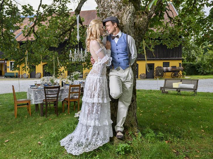 Ab jetzt sind Alicia und Viktor Mann und Frau.