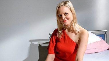 Jenny Löffler spielt bei Sturm der Liebe die intrigante Annabelle. - Foto: ARD / Christof Arnold