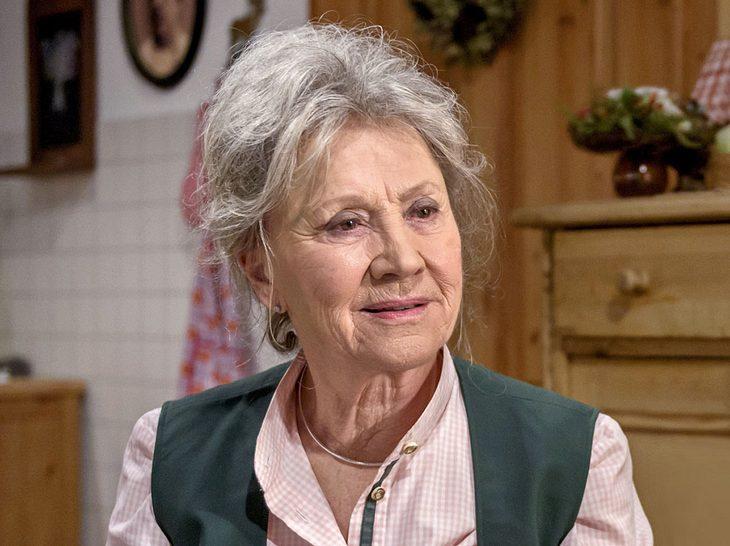 Sturm-der-Liebe-Darstellerin Antje Hagen hängt noch an ihrem verstorbenen Mann.