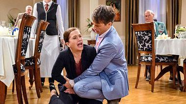 Eva sorgt bei Sturm der Liebe für ein großes Baby-Drama. - Foto: ARD/Christof Arnold