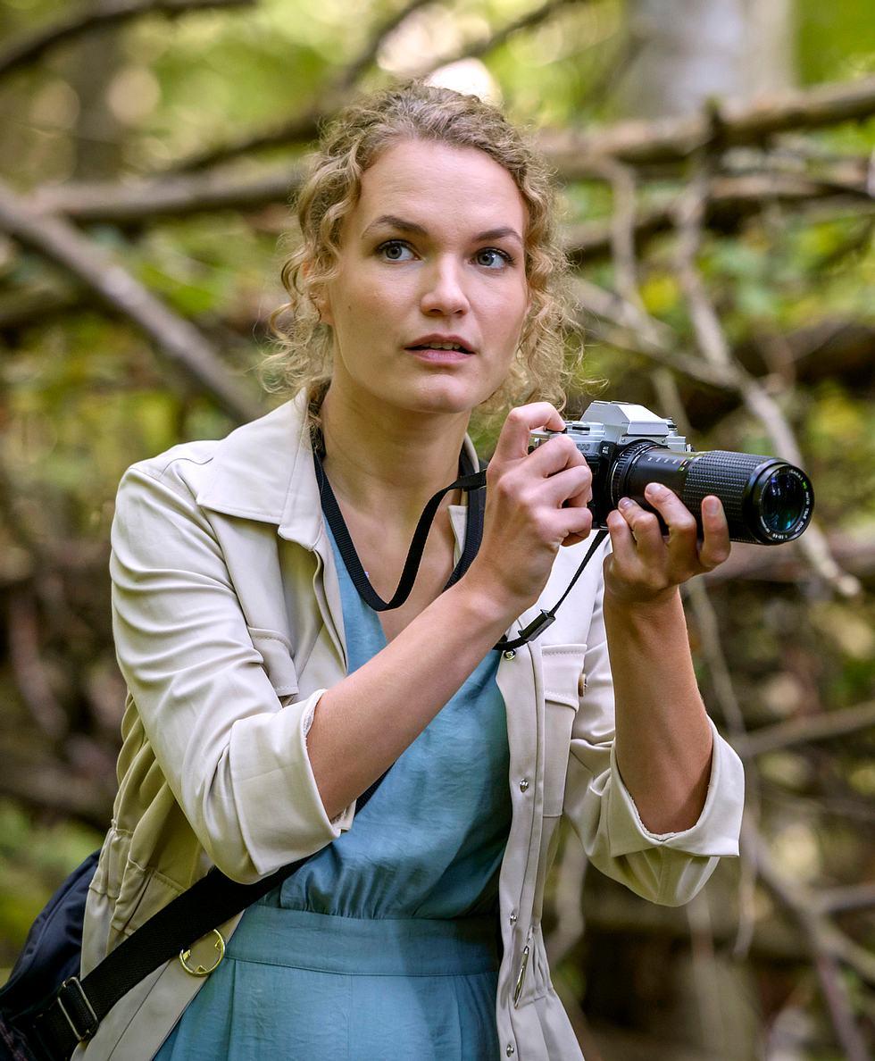Maja (Christina Arends) ist bei 'Sturm der Liebe' eine leidenschaftliche Fotografin.