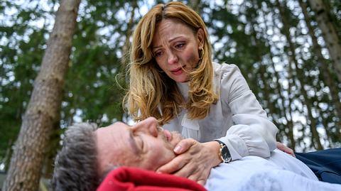 Die gerade zu Sturm der Liebe gestoßene Ariane bangt um das Leben von Christoph. - Foto: ARD/Christof Arnold
