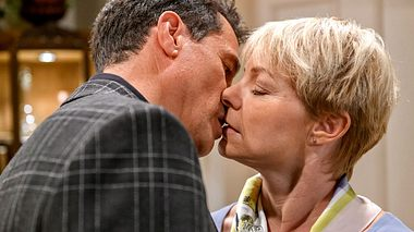 Linda küsst fremd! Was bedeutet Dirk ihr?