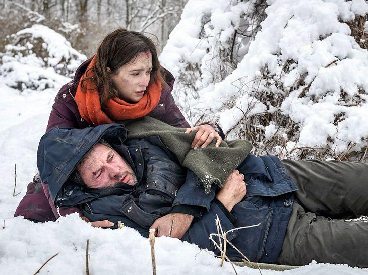 Sturm der Liebe: Eva und Christoph kämpfen in der Wildnis ums Überleben.
