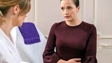 Bei Sturm der Liebe sorgt Evas Schwangerschaft für Aufruhr. - Foto: ARD/Christof Arnold