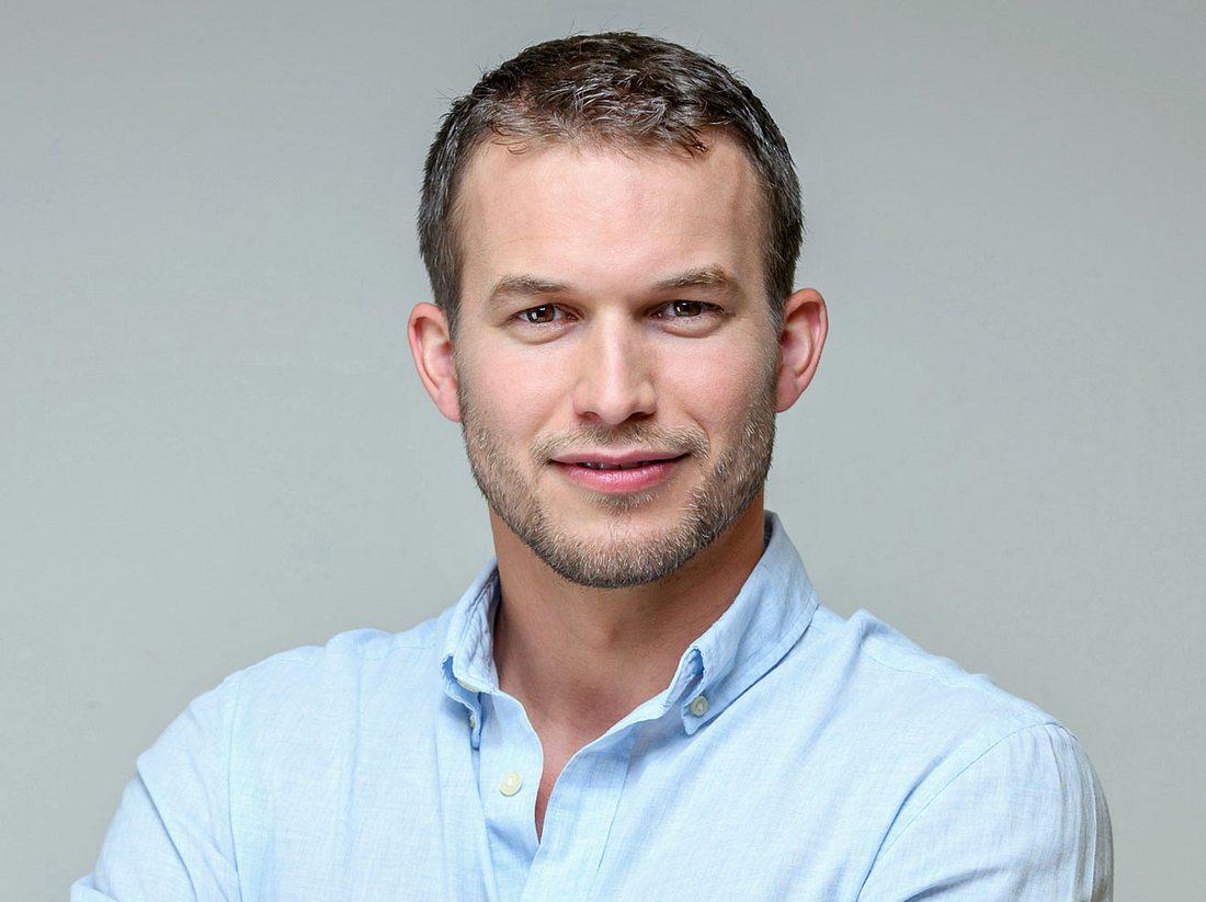 Florian Frowein ist der männliche Hauptdarsteller der 16. Staffel von Sturm der Liebe.