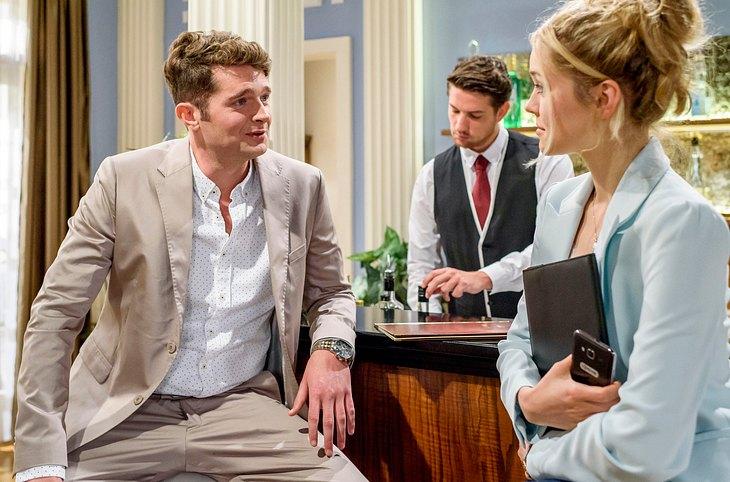 Bei Sturm der Liebe macht Quirin Pachmeyer (gespielt von Frederic Welter) Ella den Hof.