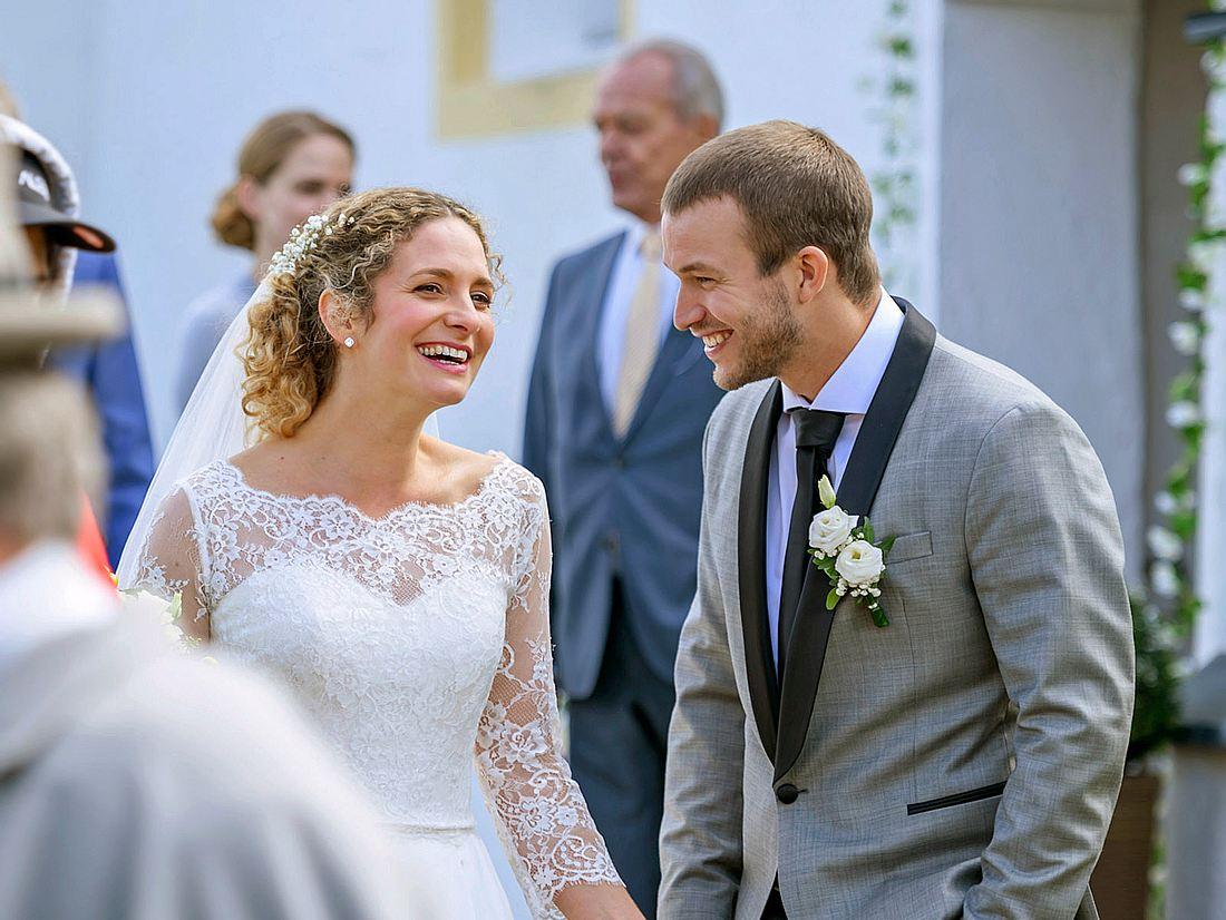 Bei Sturm der Liebe können Franzi und Tim endlich heiraten.