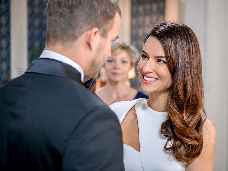 Bei Sturm der Liebe heiraten Tim und Nadja.