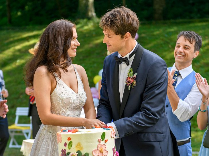 Bei Sturm der Liebe heiraten jetzt Denise und Joshua.