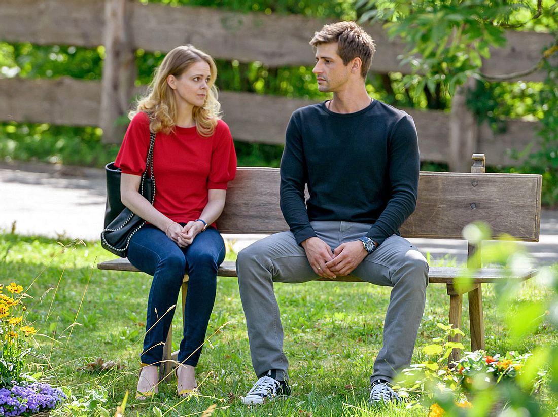 Bei Sturm der Liebe erwachen in Lucy große Gefühle für Paul.