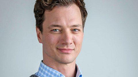 Bei Sturm der Liebe spielt Patrick Dollmann die Rolle des Henry Achleitner. - Foto: ARD/Christof Arnold
